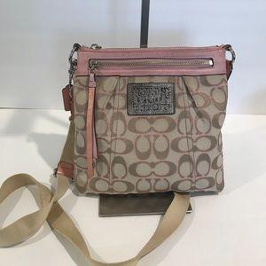 COACH Pink Leather y canvas crossbody bag 9H X 9W